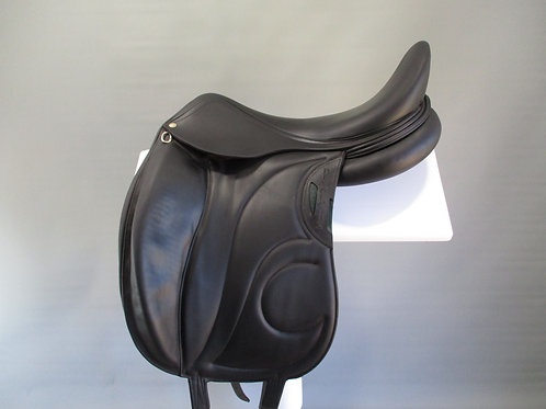 Devoucoux Loreak D3D Monoflap Dressage Saddle 18.5""