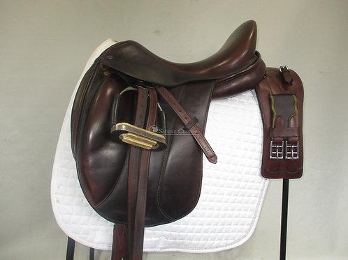 """Southern Stars Dressage Saddle 17"""""""