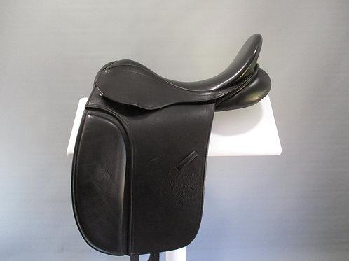 "County Warmblood Dressage Saddle 17""/17.5"""
