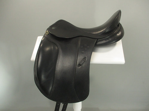 "Southern Stars Dressage Saddle 17"" M-MW"