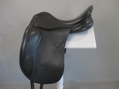 "PRD / Pessoa Dressage Saddle 17.5"""