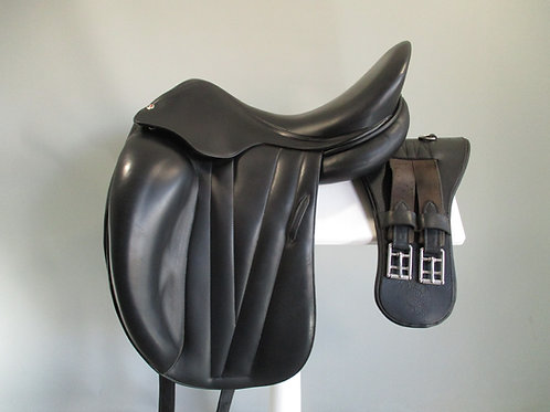 "Butet Dressage Saddle 17"" M-MW"