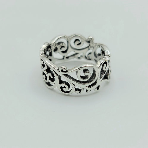 Ring with Swirl Design