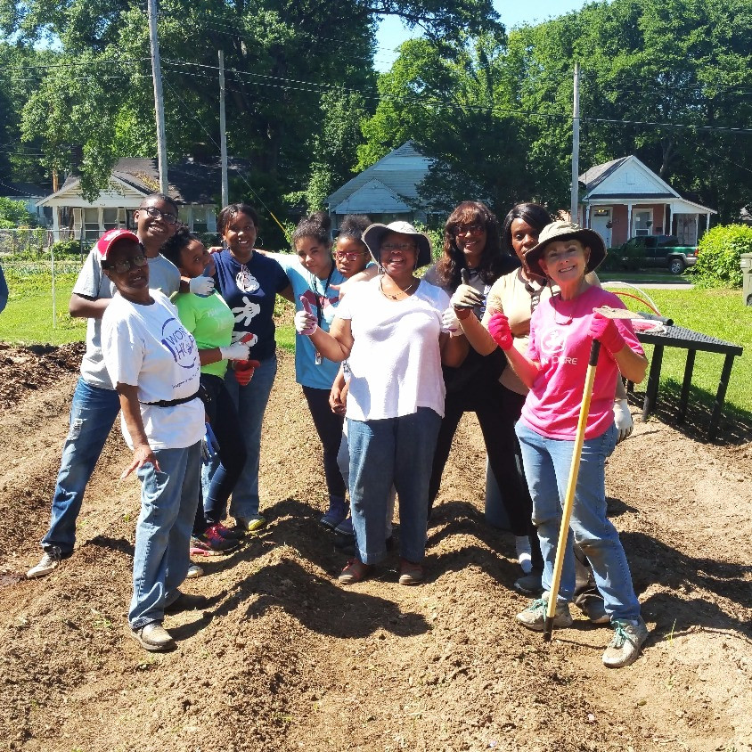 Hickory Hill youth volunteer through the Youth Summer of Service