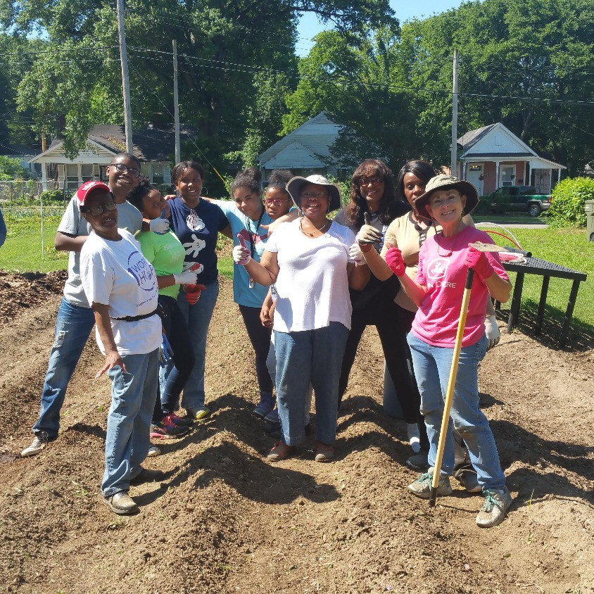 UsMIH youth and adult volunteers visit the McMerton Community Gardens