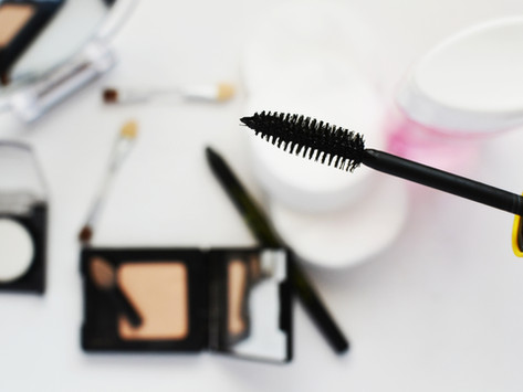 How to make your mascara last the whole day during summer.