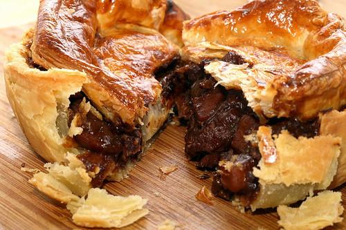 Bildresultat för beef and guinness pie