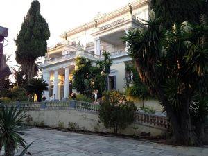 Lisää Bond-paikkoja: Achillion Palace