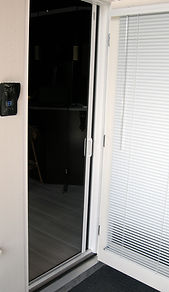 window screens and blinds, retractable screen doors, vancouver, lower mainland
