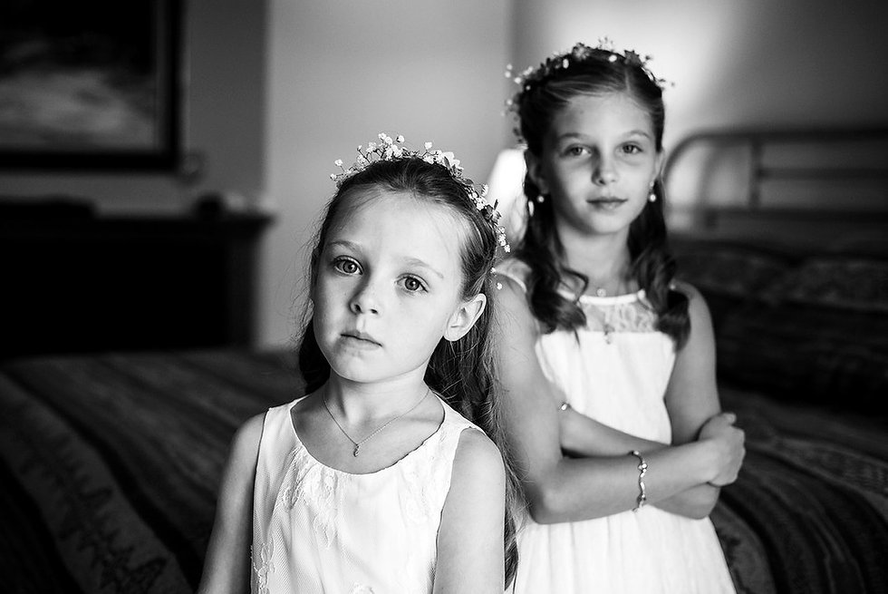 Flower Girls, Black and White, Mountaint