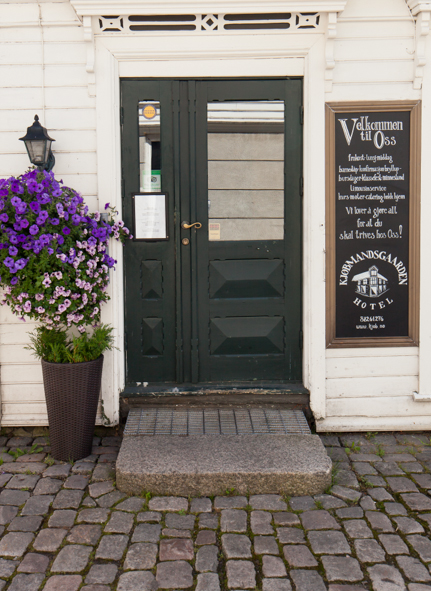 Kjøbmandsgaarden - hotel 3 inngang