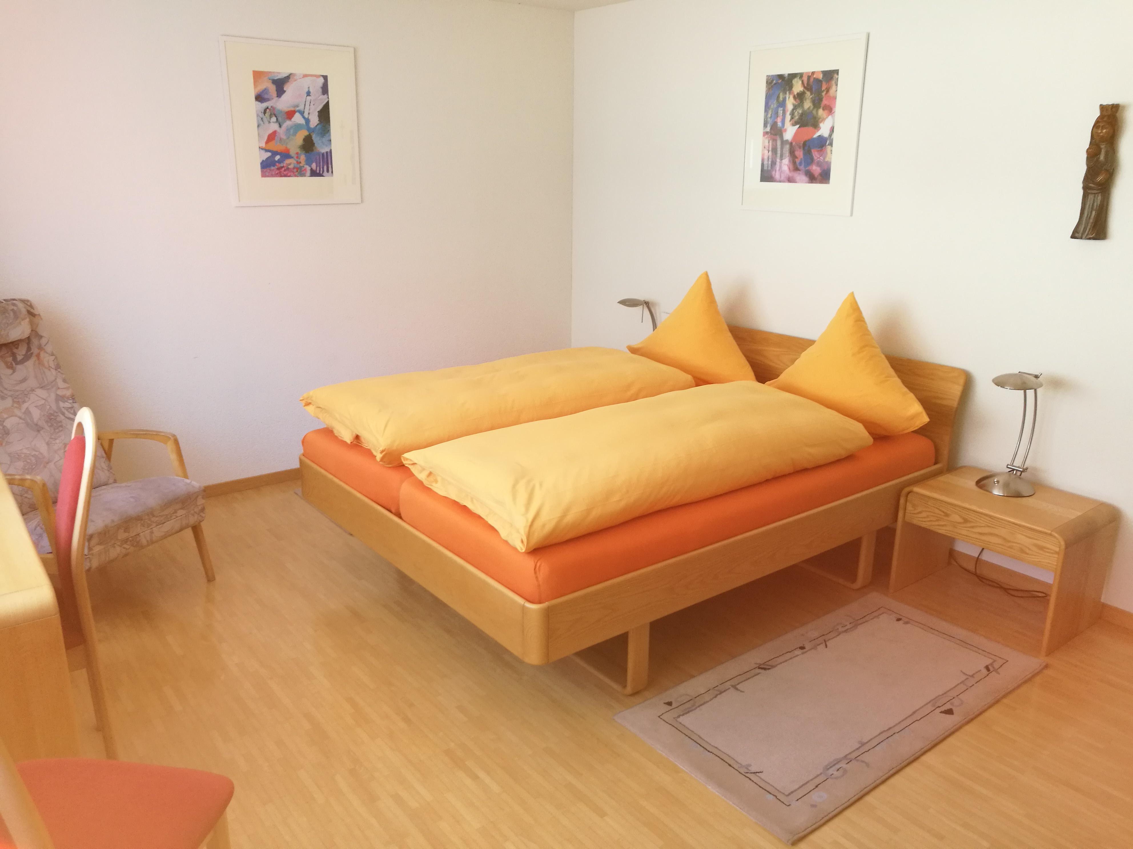 Appartement Zimmer mit Doppelbett