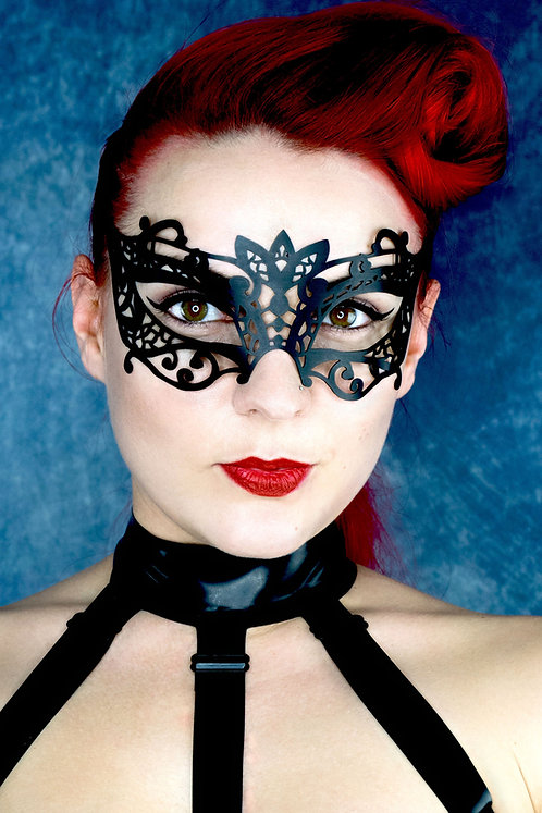 Latex Salerno Mask