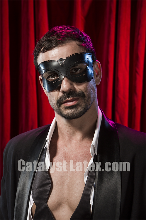 Latex Carrara Mask