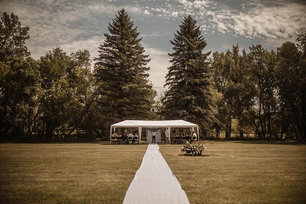 Outdoor wedding. Wedding. Wedding Day. Wedding Photography. Backyard wedding. North Dakota. North Dakota Wedding.
