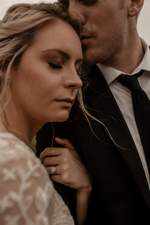 elopement. bride and groom. bridal portraits. wedding photography. North Dakota. North Dakota Wedding. Fargo Wedding. Montana Wedding. Utah Wedding. Wyoming Wedding.