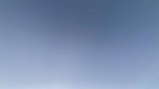 屋上の朝日