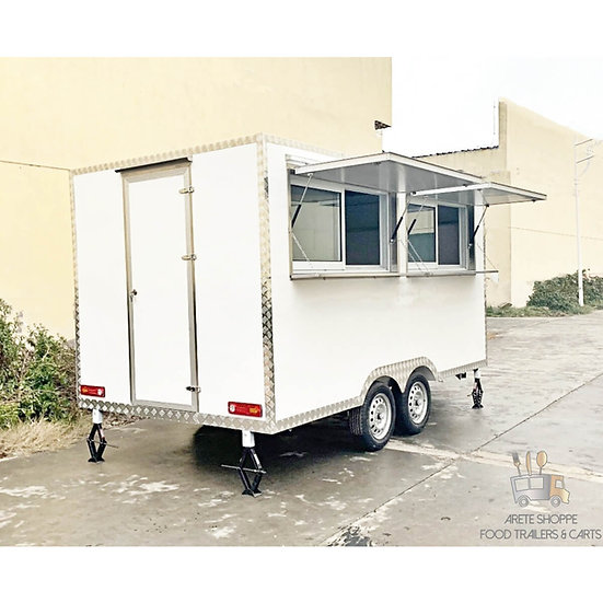 BOXER M2 - 11 Ft. Vending Trailer