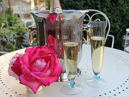 Romantischer Abend im Rosengarten.jpg