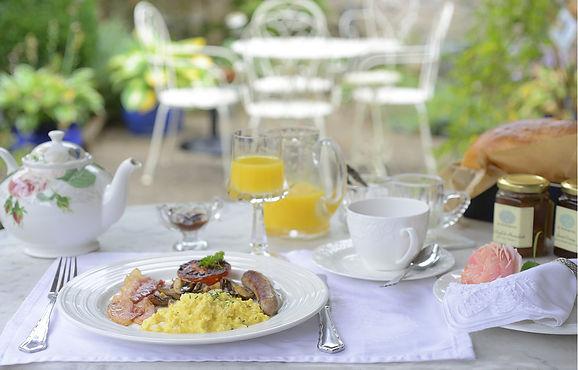 Englisches Frühstück im No. 31 im Rosengarten