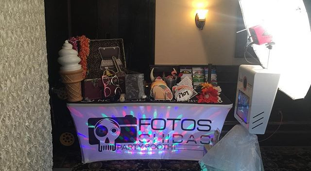 Friday night setup at Maggianos Little Italy in Santa Row-