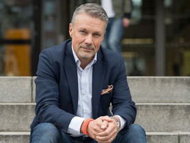 28. Urban Björn. Business as Equals.