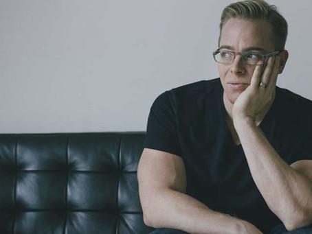 25. Linus Jonkman. Handbok för introverta.