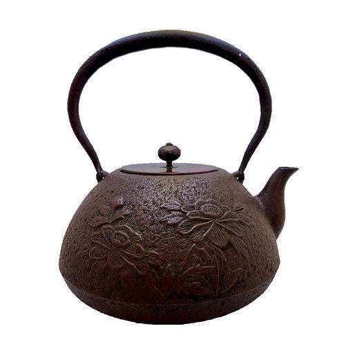 鉄瓶 宝重牡丹(唐銅蓋) 2.0L