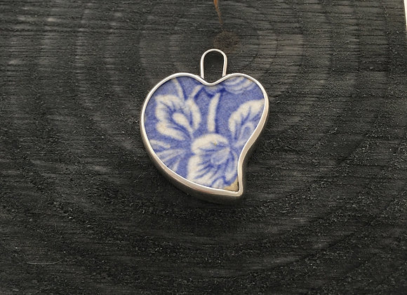 Leafy pattern blue Heart Silver pendant