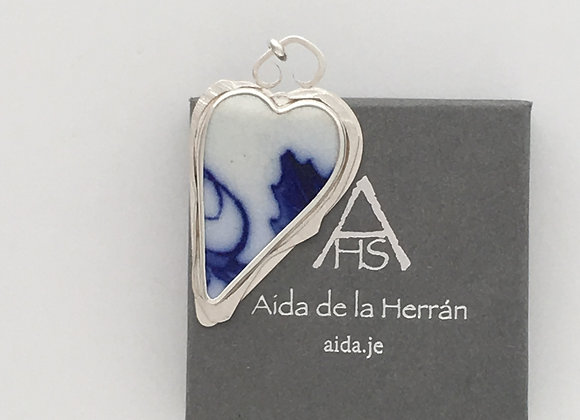 Heart Pendant with abstract border