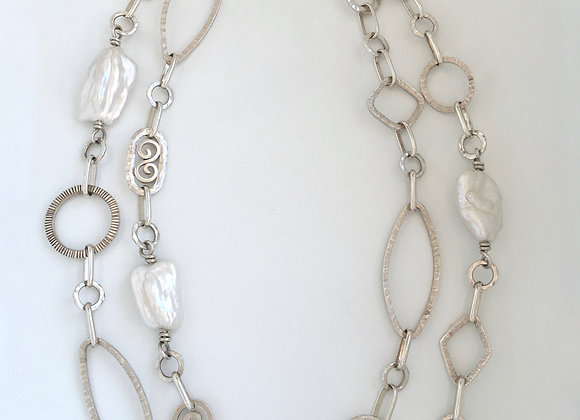 Baroque pearls and silver links necklace