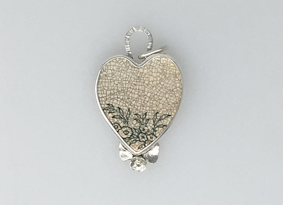 Pendant with Crackled tile with flowers