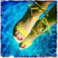 sandales les paresseuses modèle 07 A daim noir, intérieur jaune, bordure platine