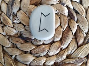 Tirage de la rune PERTH, PERTHRO, PEORTH, PAIRTHRA, PERB, PERTHU, PEORDH, PERTHROLD : significations