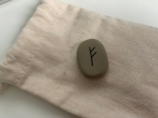 Rune FEOH | FEHU | FE | FAIHU | FA : symboles, signification et utilisation