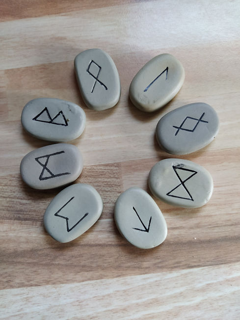 tirage de runes - divination - developpe