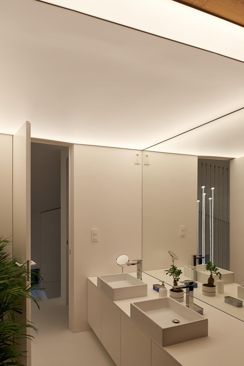 LED osvetlenie kúpeľne dizajnové svetelné stropy