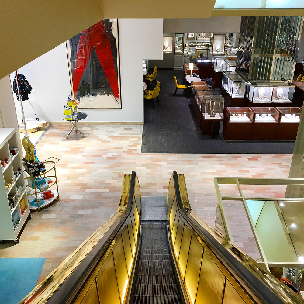 Gold elevator at Neiman Marcus | Hello_Francois | Dallas Men's Fashion & Lifestyle Blogger