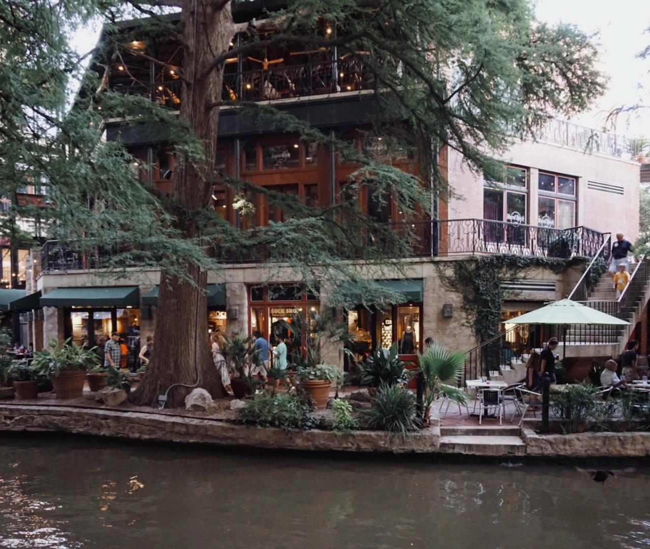 San Antonio Guide   Hello_Francois