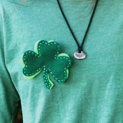 Ireland-shamrock-badge-activity1.jpg