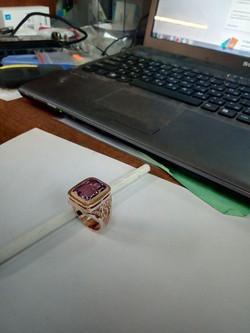 Печатка филигранная с камнем