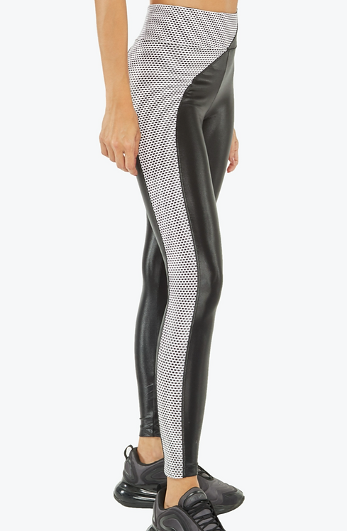 Koral: Chase High Rise Infinity Legging in Black/Passion