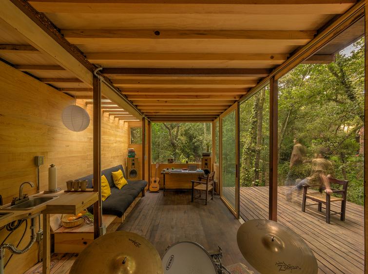 Floating House_Photo by Studio Chirika (