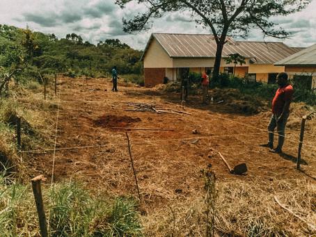 Beginn der Bauarbeiten für die Schultoiletten