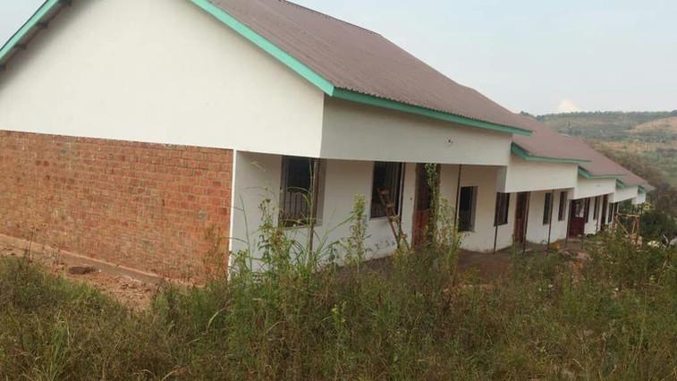 08/19 Das Schulgebäude in Chabalisa