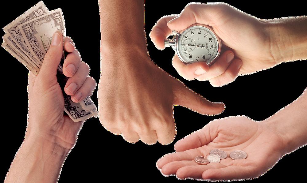 Plusieurs mains avec argent et chronomètre