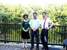 80 2014 07上海威联中国艺术基金会主席荣先生夫妇来访.jpg