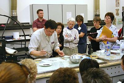 2006-丛志远给美国新泽西中学版画教师讲课2006C_S.jpg