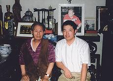 08 1988 亚明和陈大羽资助丛到美留学。2001和亚明合影.jpg
