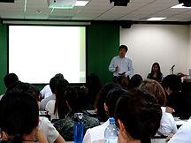 70 2013 07 在北师大给普林斯顿大学学生讲课.jpg